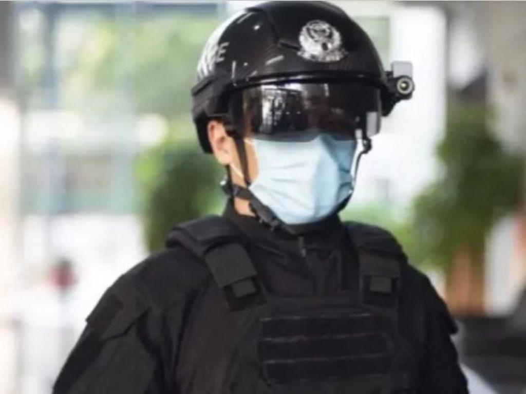 Keren! China Keluarkan Helm Robocop Untuk Lawan Wabah COVID-19