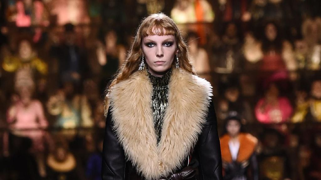 20 Busana Terbaru Louis Vuitton yang Menutup Paris Fashion Week 2020