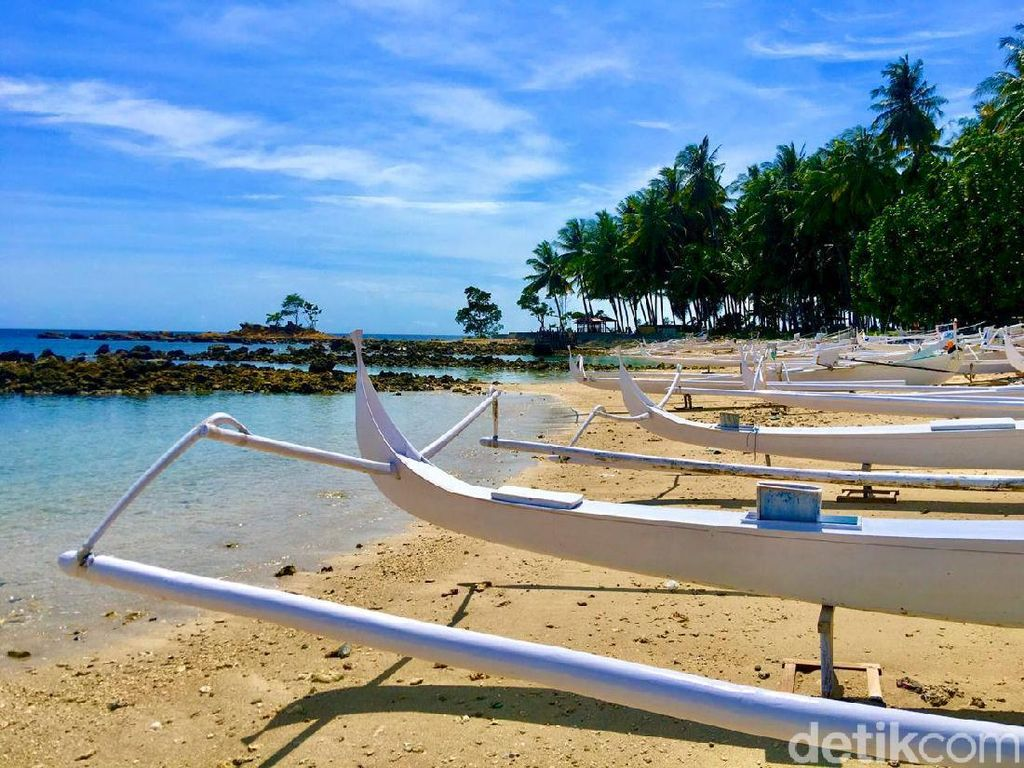 Majene Punya Pantai dengan Legenda Anti Selingkuh dan Mesum
