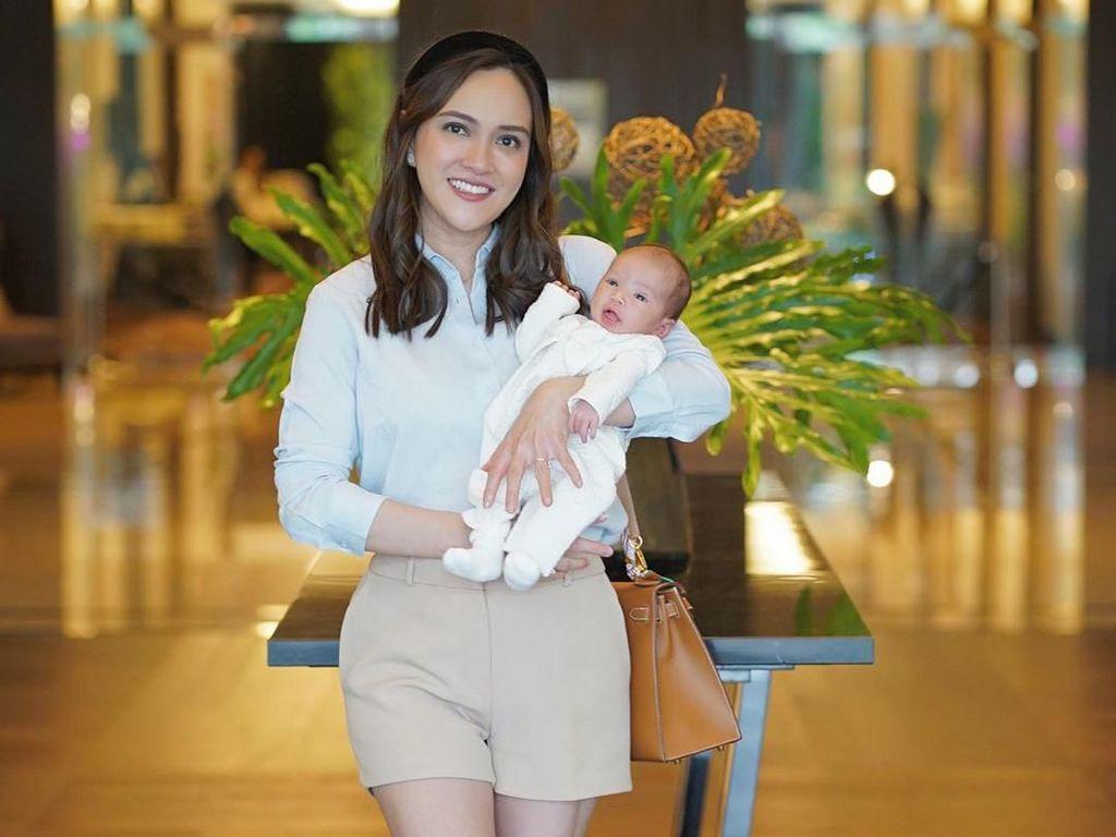 Shandy Aulia Bantah Bayinya Kurang Gizi, Ungkap Alasan MPASI di Usia 4 Bulan