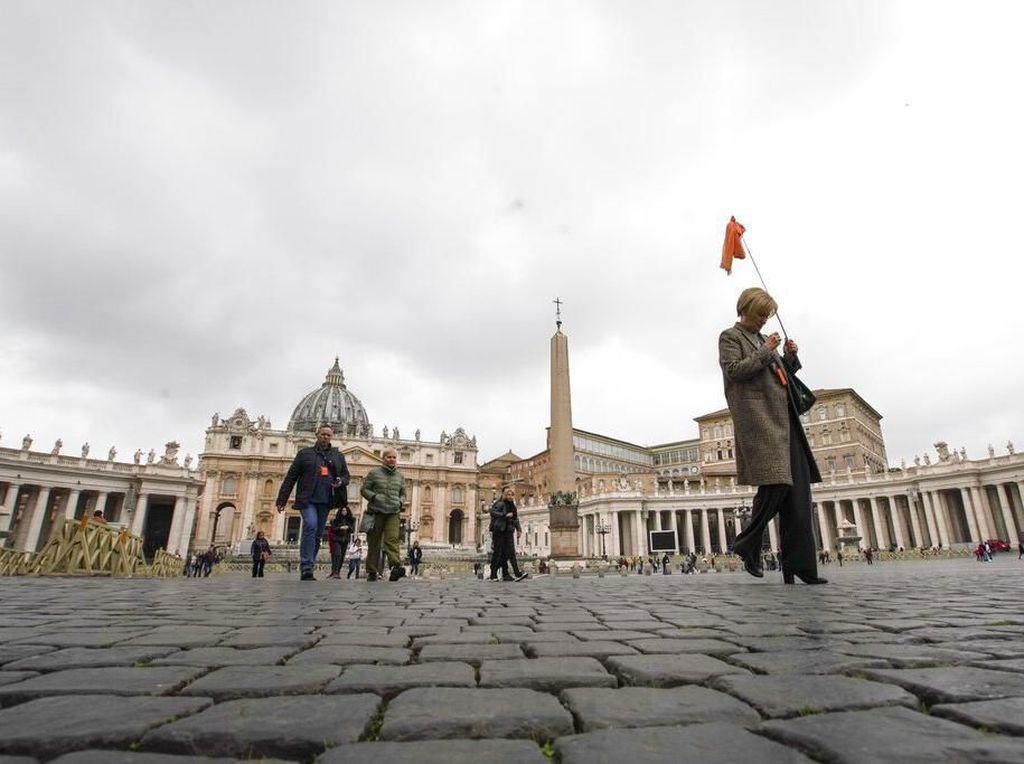 Vatikan Beri Sanksi 2 Uskup Polandia karena Tutupi Skandal Seks Pastor