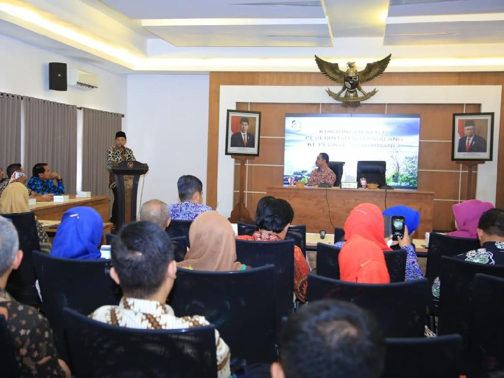 Boyong Seluruh Camat, Wali Kota Malang Belajar Smart Kampung di Banyuwangi