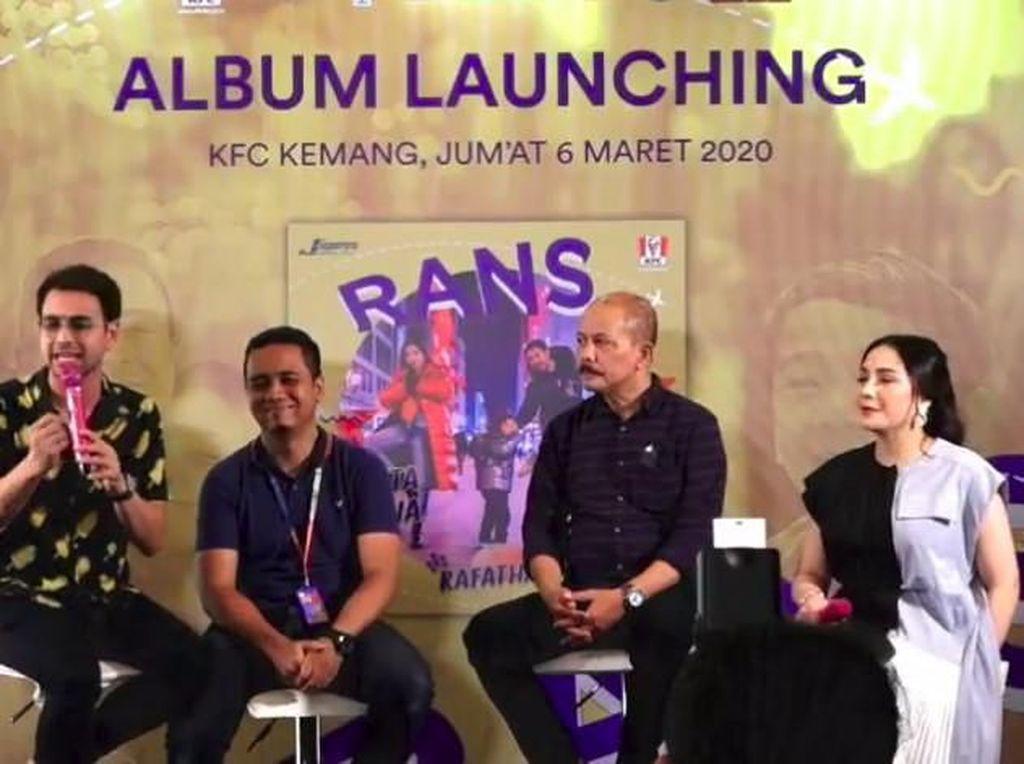 Pulang Pelesiran, Raffi Ahmad dan Nagita Slavina Luncurkan Album Keluarga