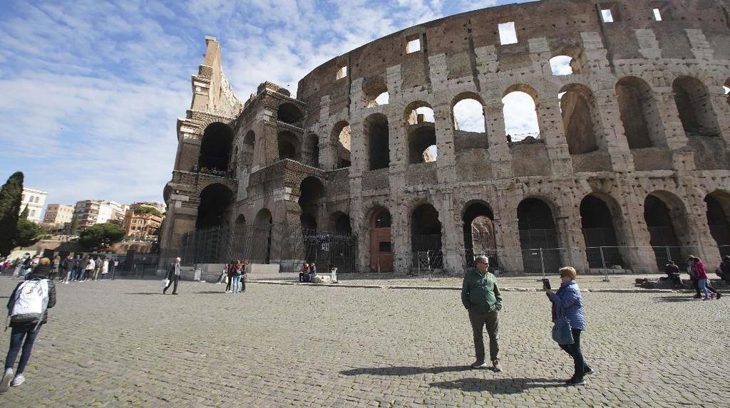 Objek Wisata di Italia Sepi Dihantam Corona