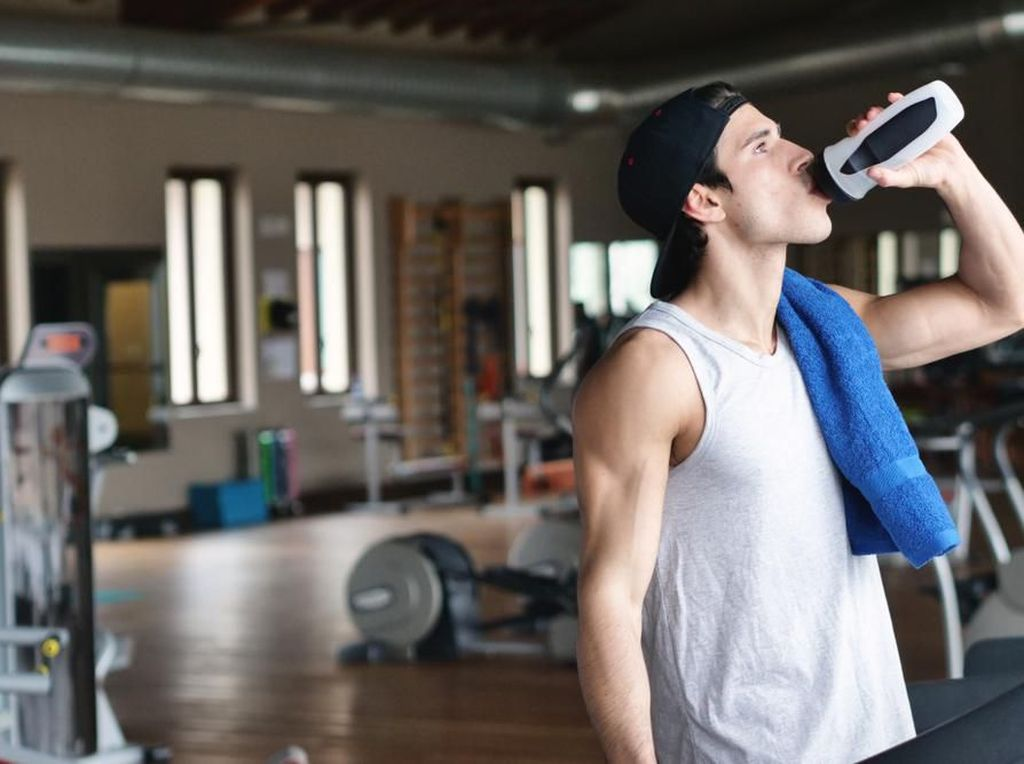 Alasan Mengapa Kita Perlu Minum untuk Rehidrasi