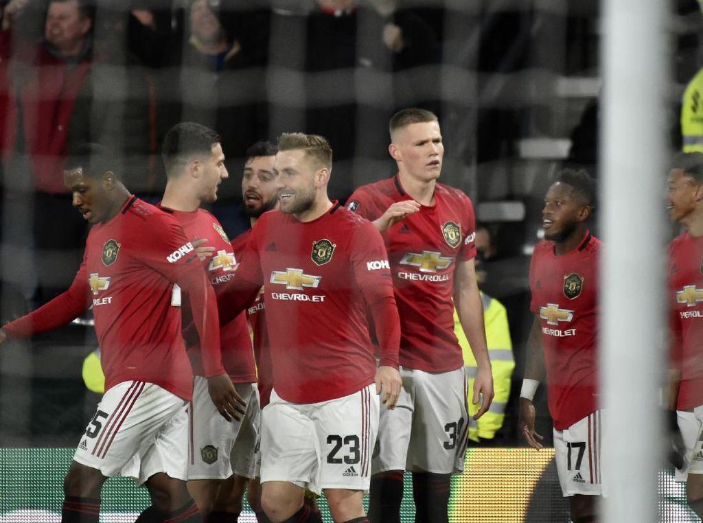 Luke Shaw Pede Banget! Yakin Man United Bisa Treble Musim Ini