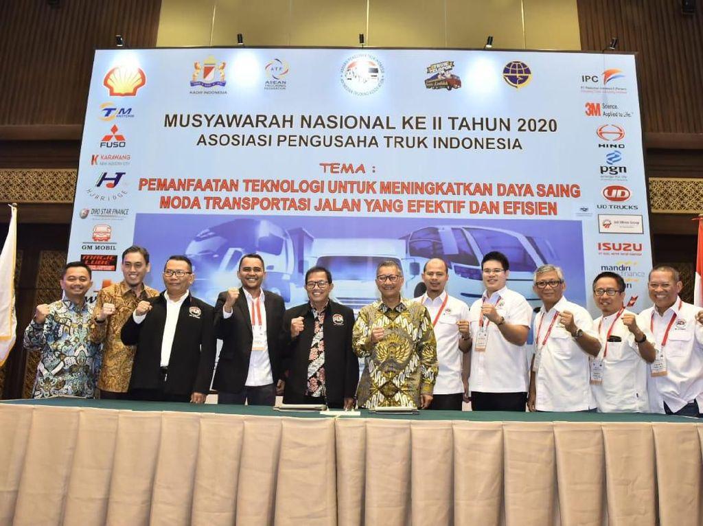 PGN Investasi Rp 14 M Pasok Gas Alam Cair untuk Truk Anggota Aptrindo
