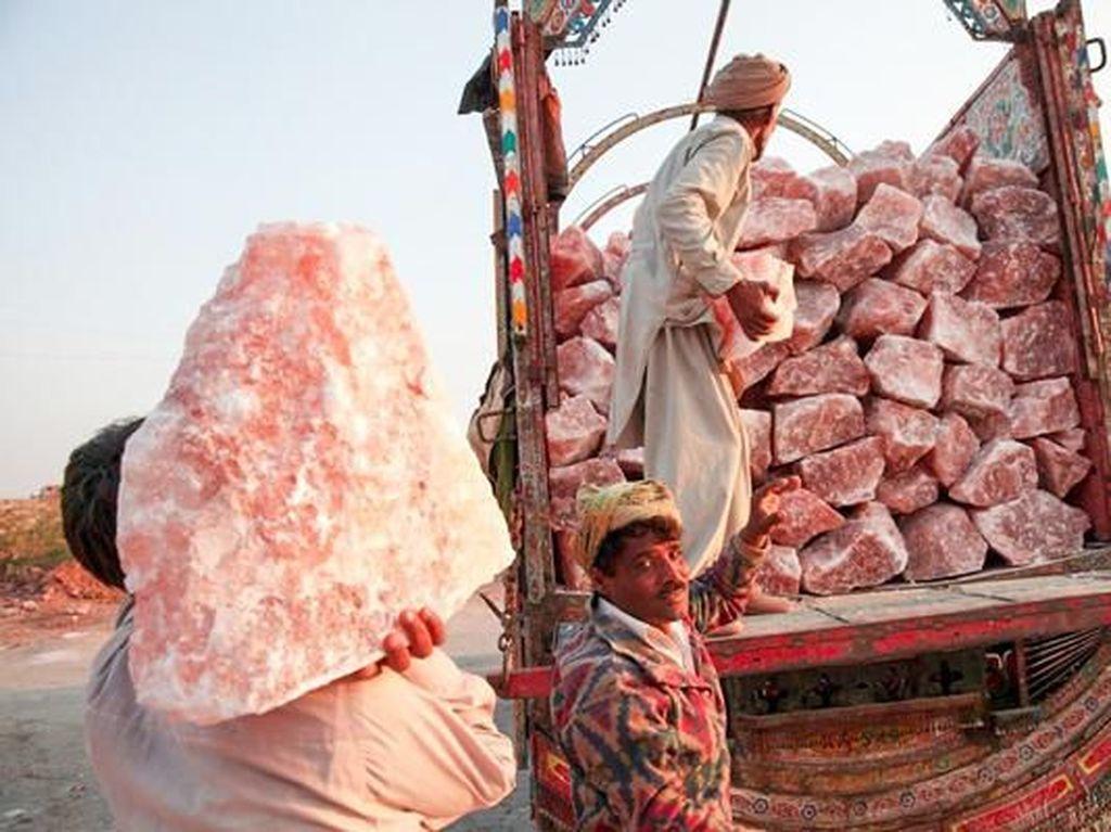 Ini Rumitnya Pembuatan Himalayan Pink Salt, Garam Cantik yang Mahal