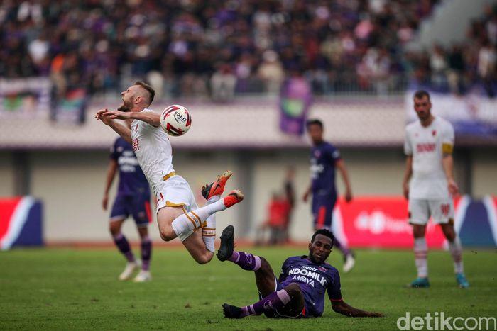 Persita Tangerang vs PSM Makassar digelar di Stadion Sport Center, Kelapa Dua, Tangerang, Jumat (6/3/2020). Laga berakhir dengan skor 1-1.