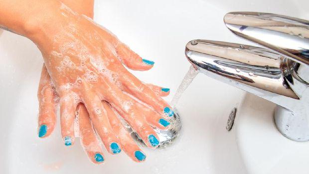 Cara Mengatasi Telapak Tangan Berkeringat [EBG]