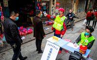 Robot hingga Helm Pintar, Kecanggihan yang Dipakai China Lawan Corona