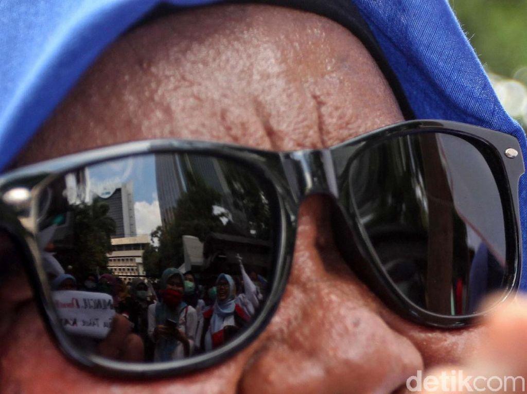 Tak Turun ke Jalan, Buruh Lakukan Ini Peringati May Day