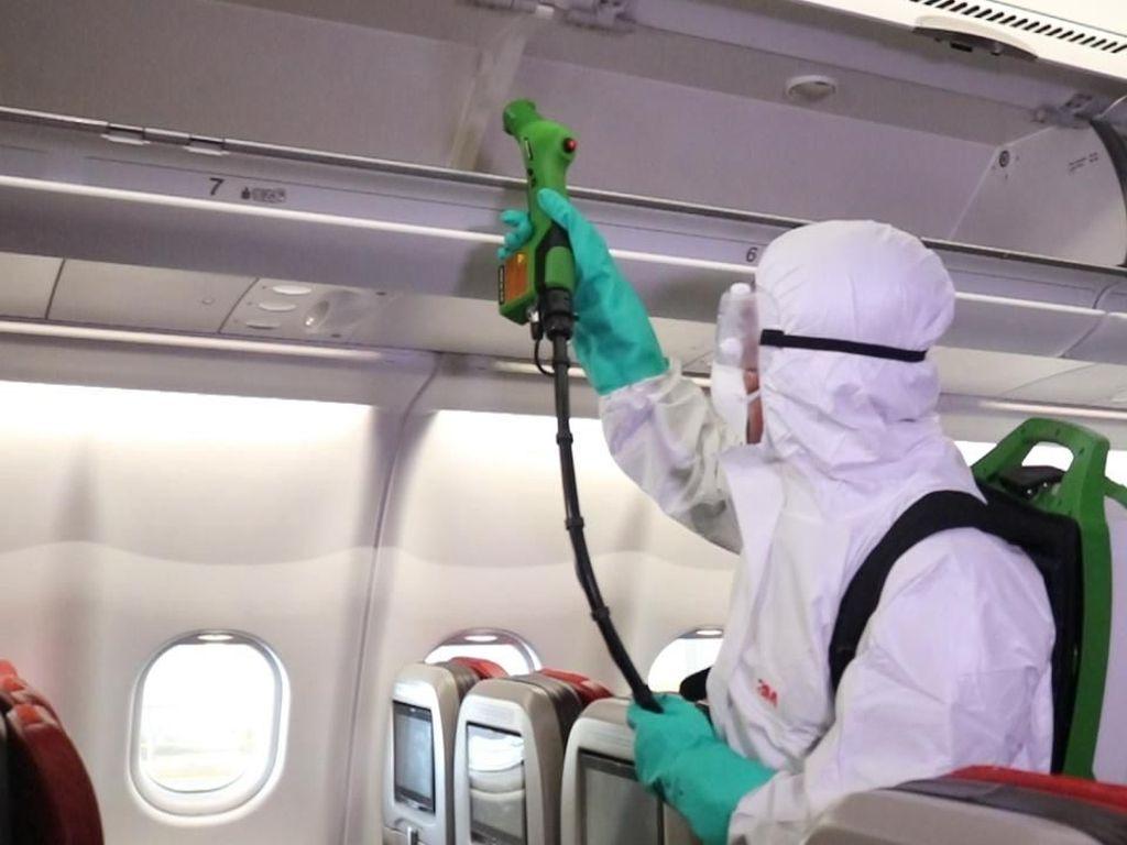 Garuda-Lion Air Bersih-bersih Pesawat dari Corona