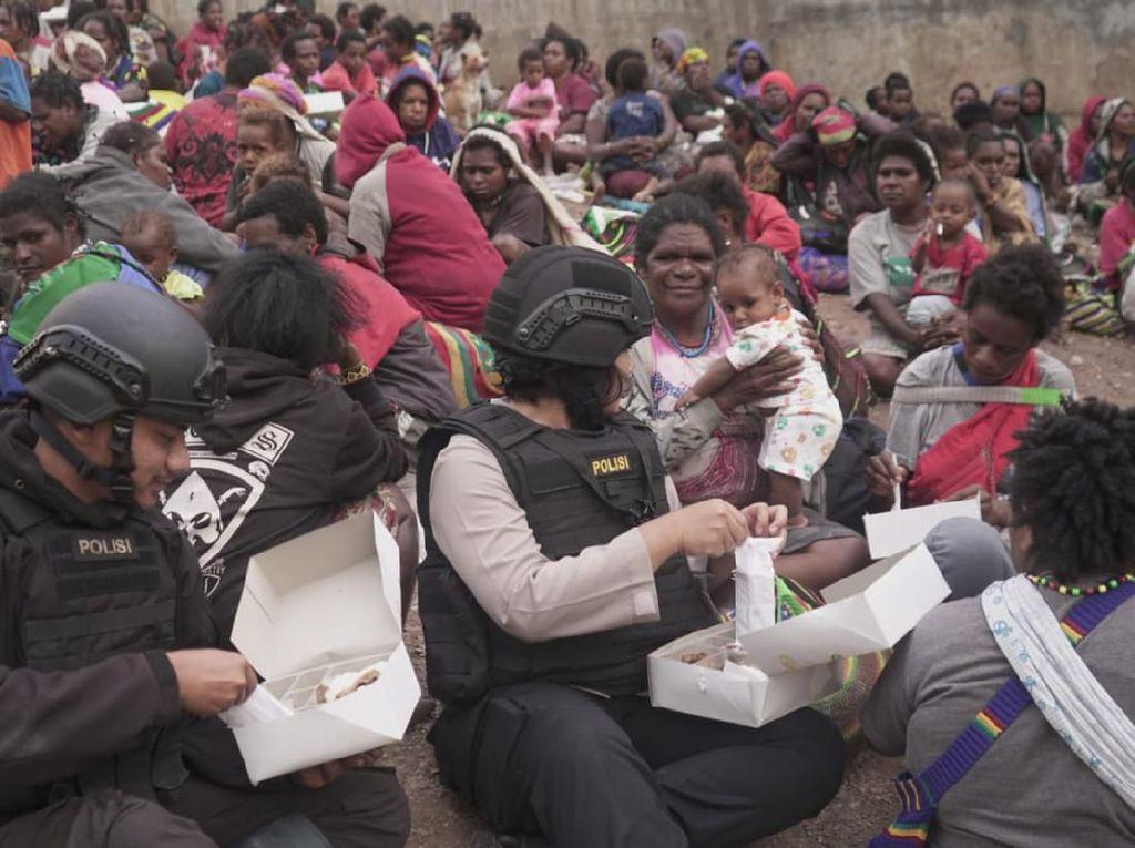 Sudah 800 Warga Timika Mengungsi Ke Polsek Tembagapura karena Takut KKB