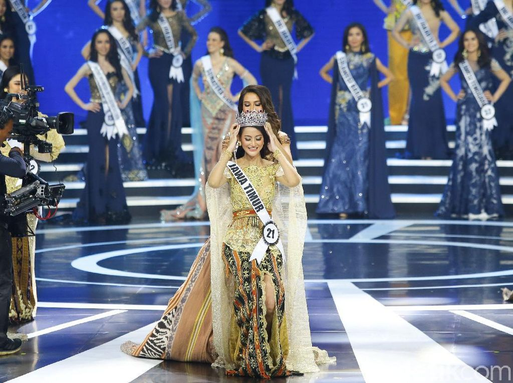 Foto: Terpesona Kecantikan 3 Juara Puteri Indonesia 2020
