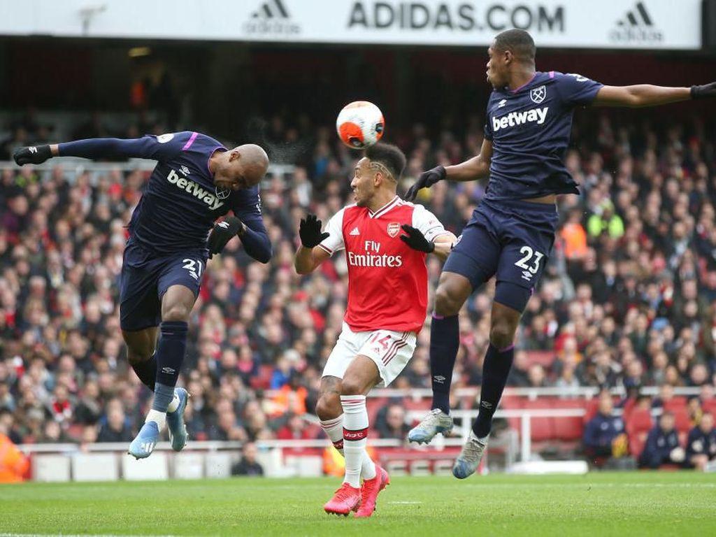 Sengit, Arsenal Vs West Ham Masih Tanpa Gol di Babak I