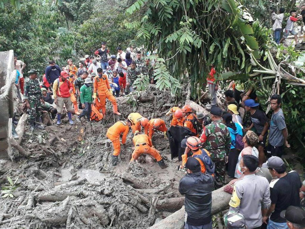 Korban Banjir Bandang Poso Ditemukan Tewas Tertimbun Setelah 5 Hari Dicari