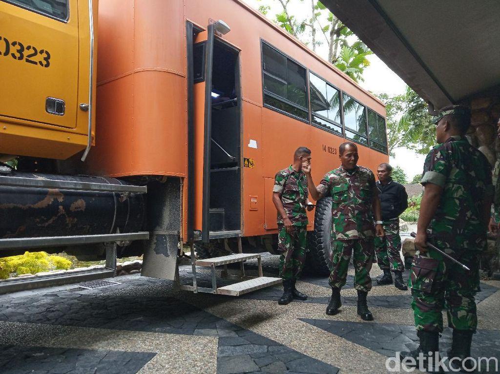 Bertolak ke Tembagapura Papua, Polisi-TNI Siap Tindak Tegas KKSB
