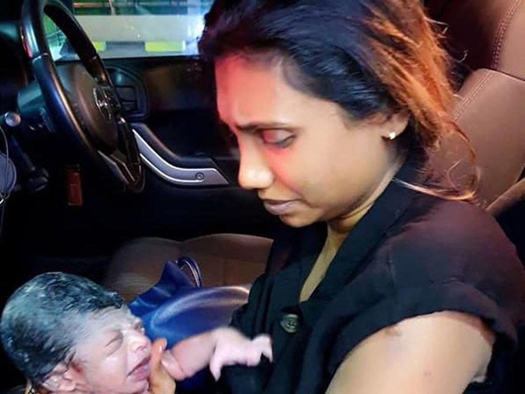 Kisah Bayi Lahir dalam Jeep, Sampai Ditulis di Akta
