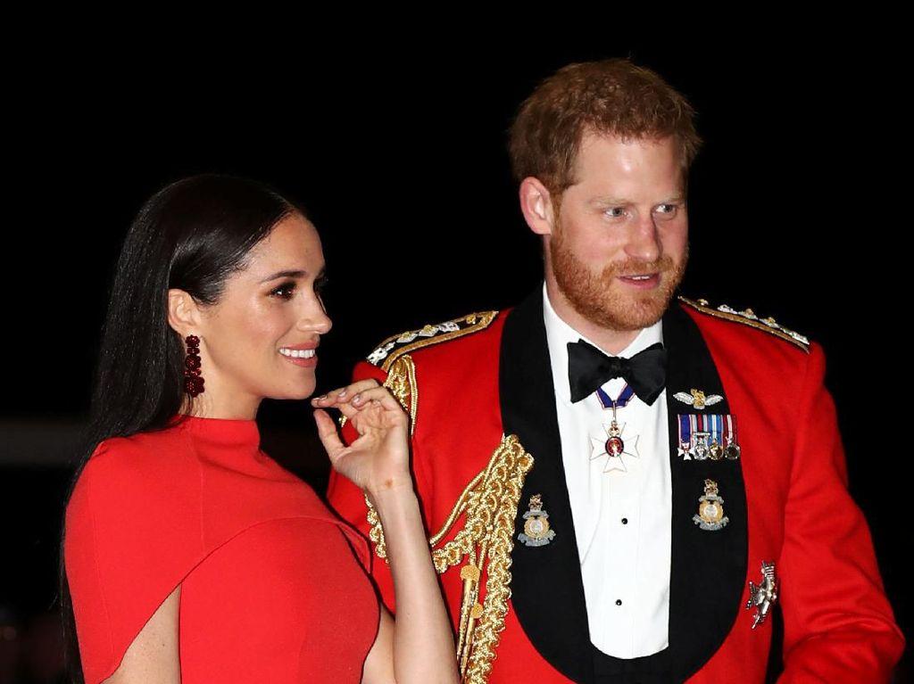 Pangeran Harry dan Meghan Markle Ingin Hentikan The Crown