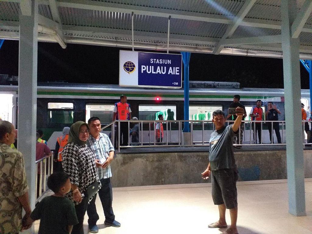 Hidup Lagi, Stasiun Pulau Air Jadi Rebutan Warga Buat Selfie
