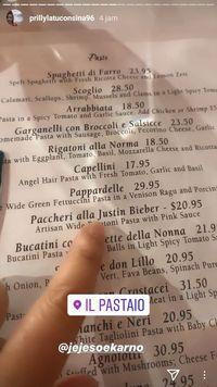 Prilly Latuconsina makan pasta ala Justin Bieber