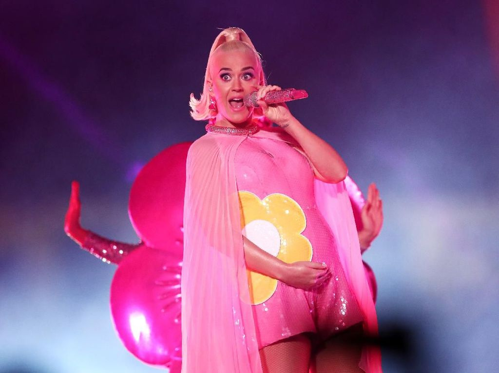Katy Perry Buka-bukaan soal Perannya Jadi Ibu