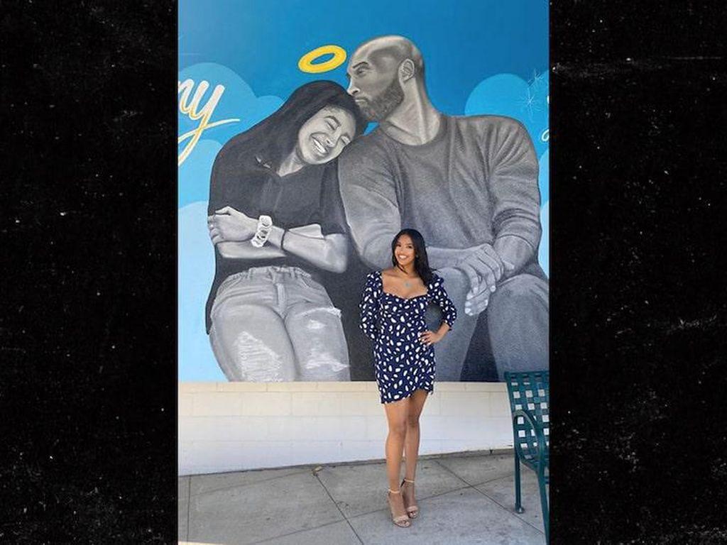 Keluarga Kenang Kobe Bryant yang Diabadikan Lewat Mural