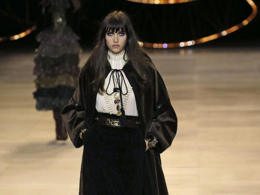 20 Koleksi Busana Terbaru Celine di Paris Fashion Week 2020