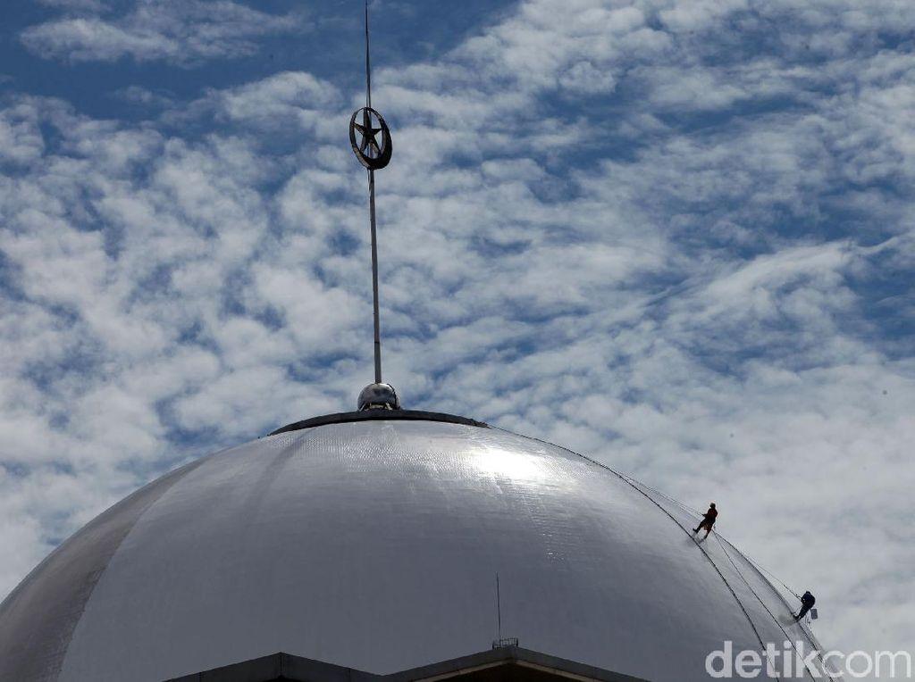 Masjid Kapal Munzalan Bangunannya Unik, Juga Simbol Keberagaman