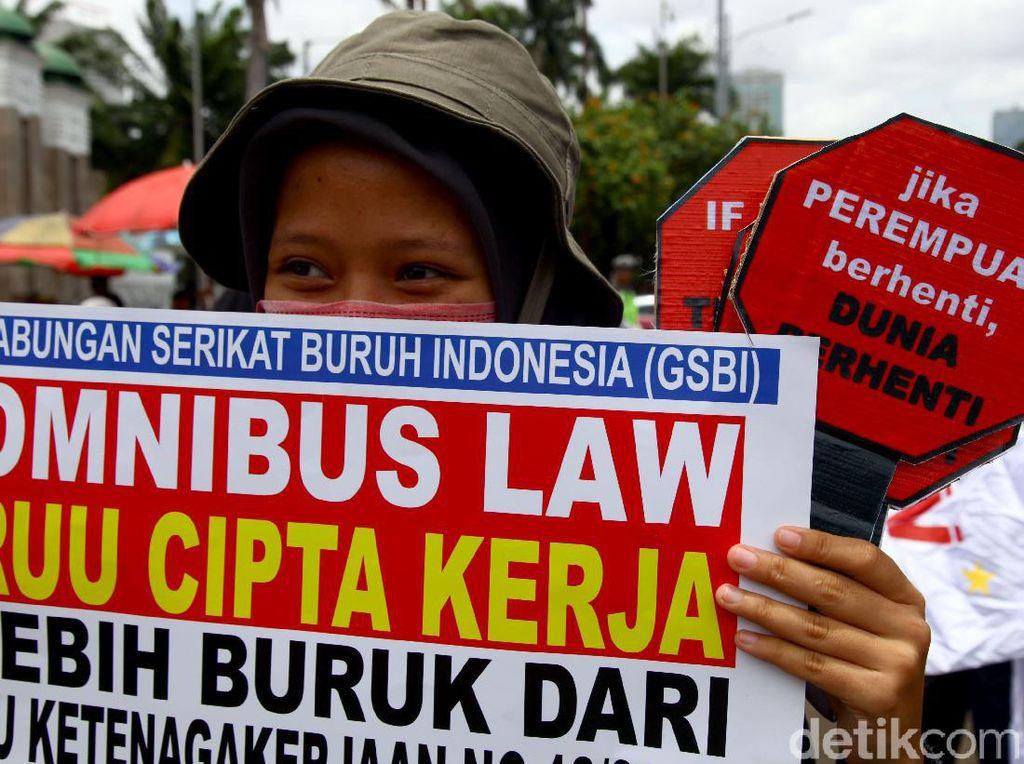 Debat DPR vs Pemerintah soal Aturan Batas Waktu Pekerja Kontrak