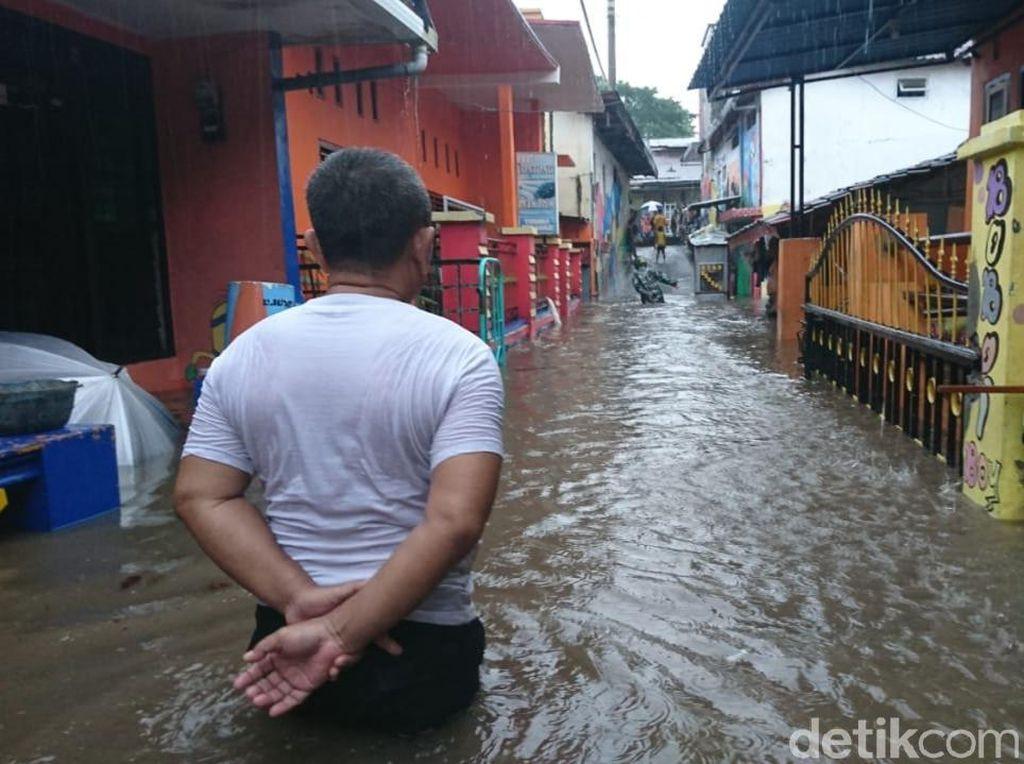 Diguyur Hujan Deras 3 Jam Hujan, Puluhan Rumah di Banyuwangi Kebanjiran