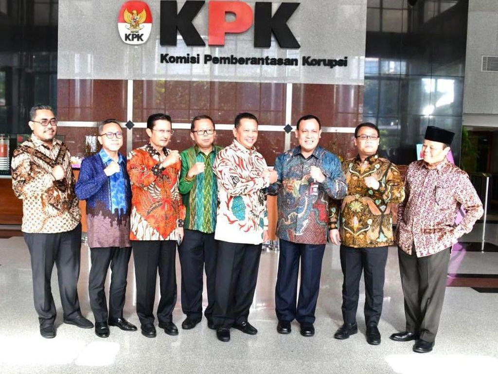 Ketua MPR Sebut Bersihkan Korupsi Bisa Dimulai dari Benahi Parpol