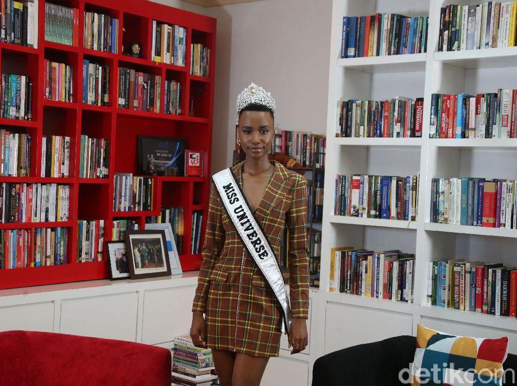 Foto Miss Universe dan Puteri Indonesia 2020 Saat International Womens Day