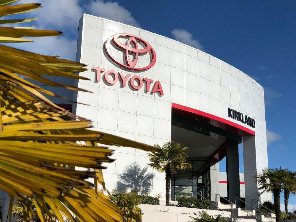 Satu Karyawan Positif Corona, Dealer Toyota Ditutup Sementara