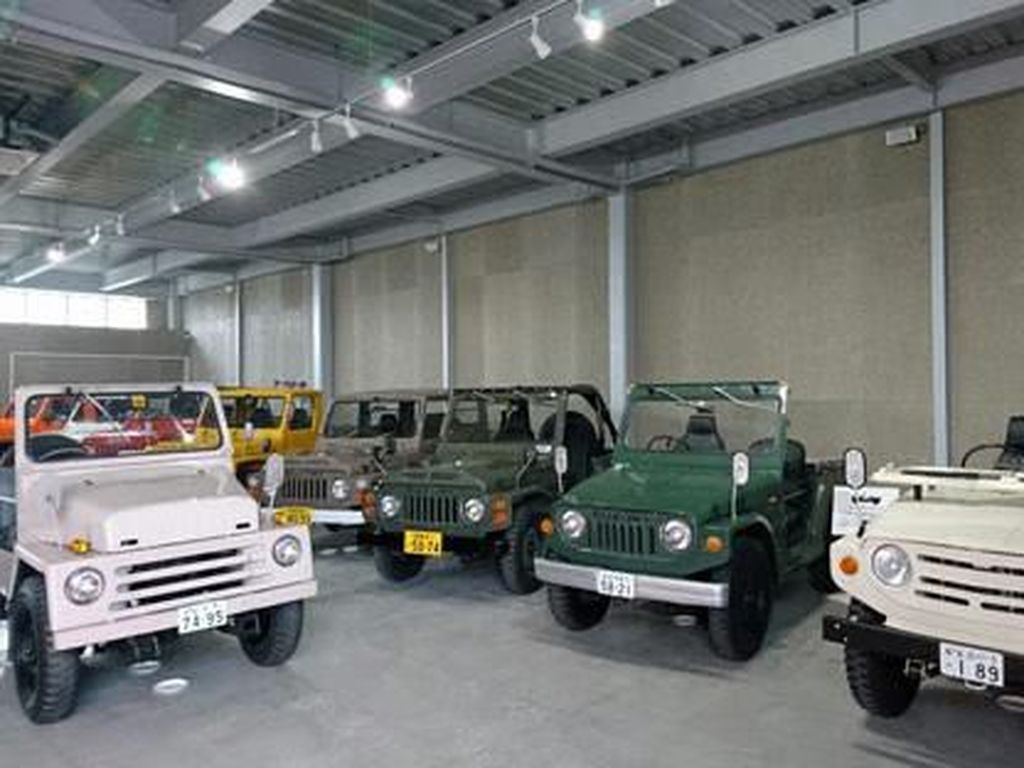 Mampir ke Museum Jimny yang Super Keren di Jepang