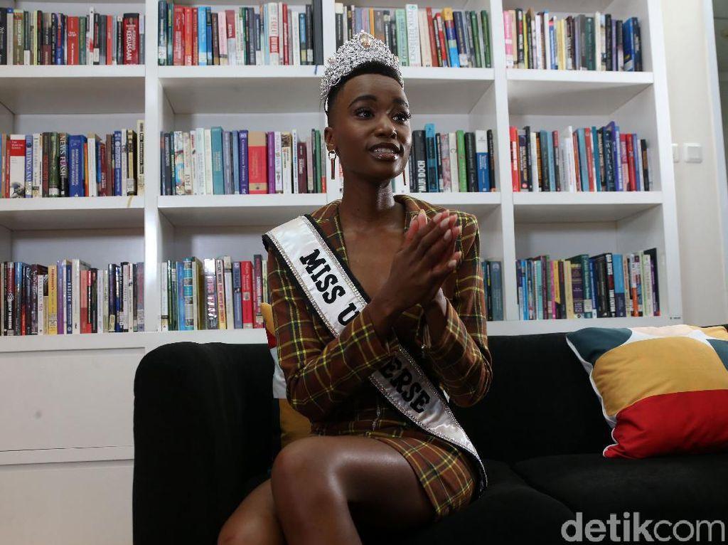 Miss Universe Menolak Takut Corona