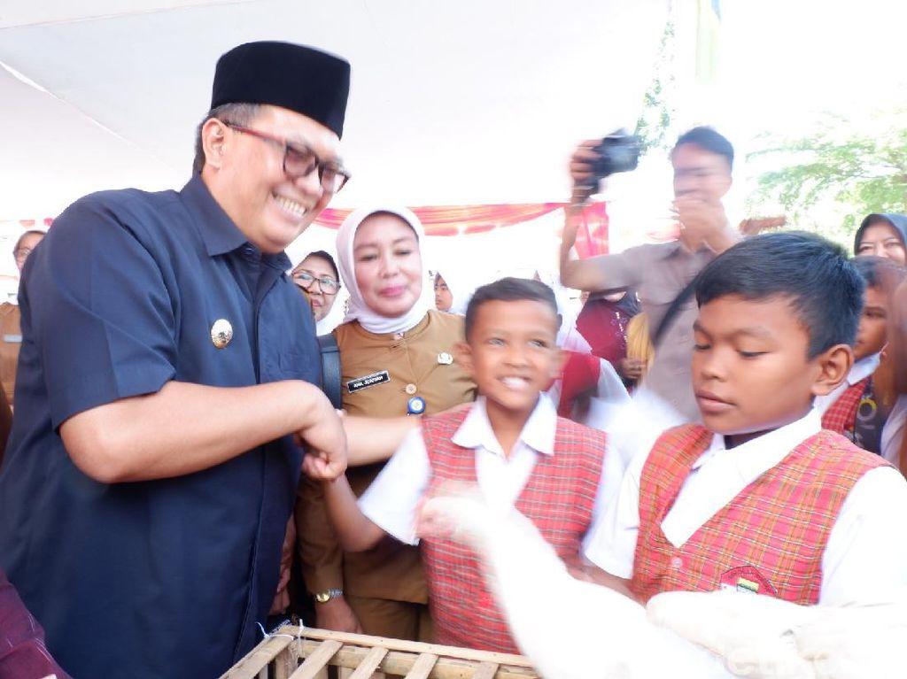 10 Ribu Anak Ayam Program Aki Bagi Siap Dibagikan di Bandung