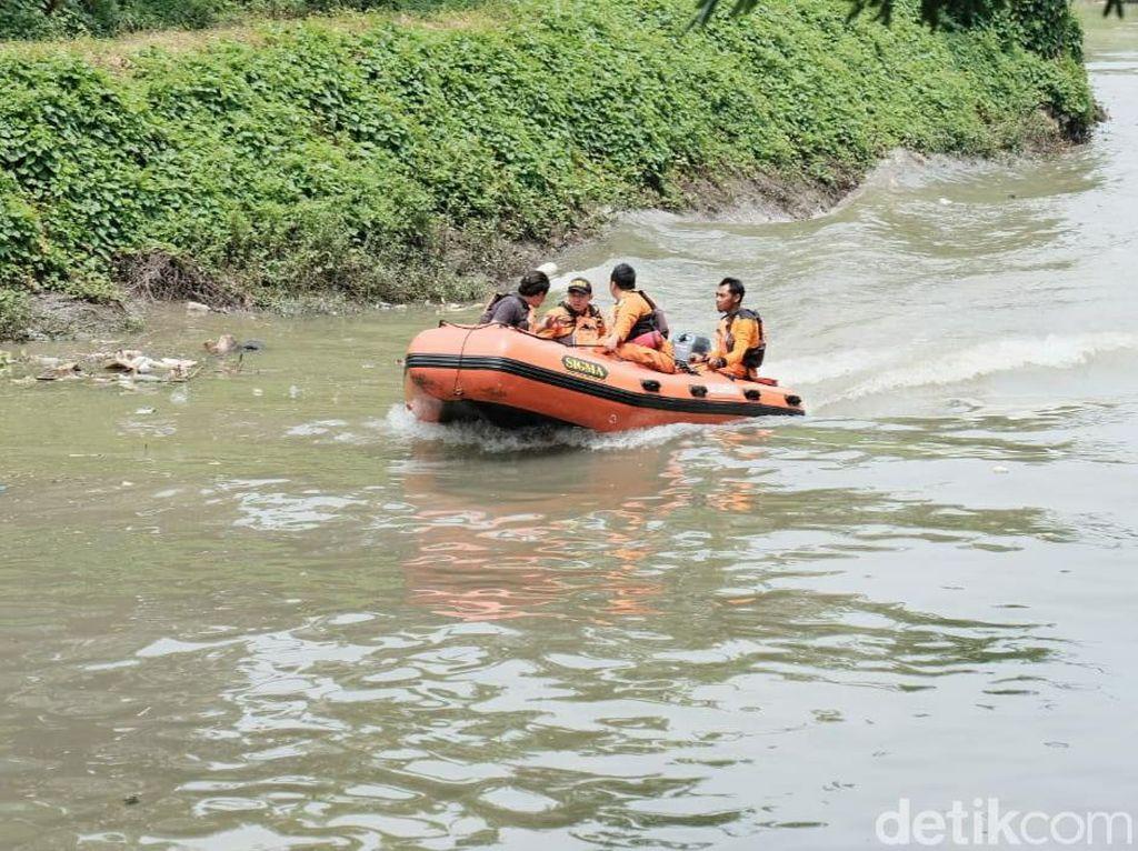 Polisi Ubek-ubek Sungai di Sidoarjo Tempat Korban Begal Diduga Dibuang