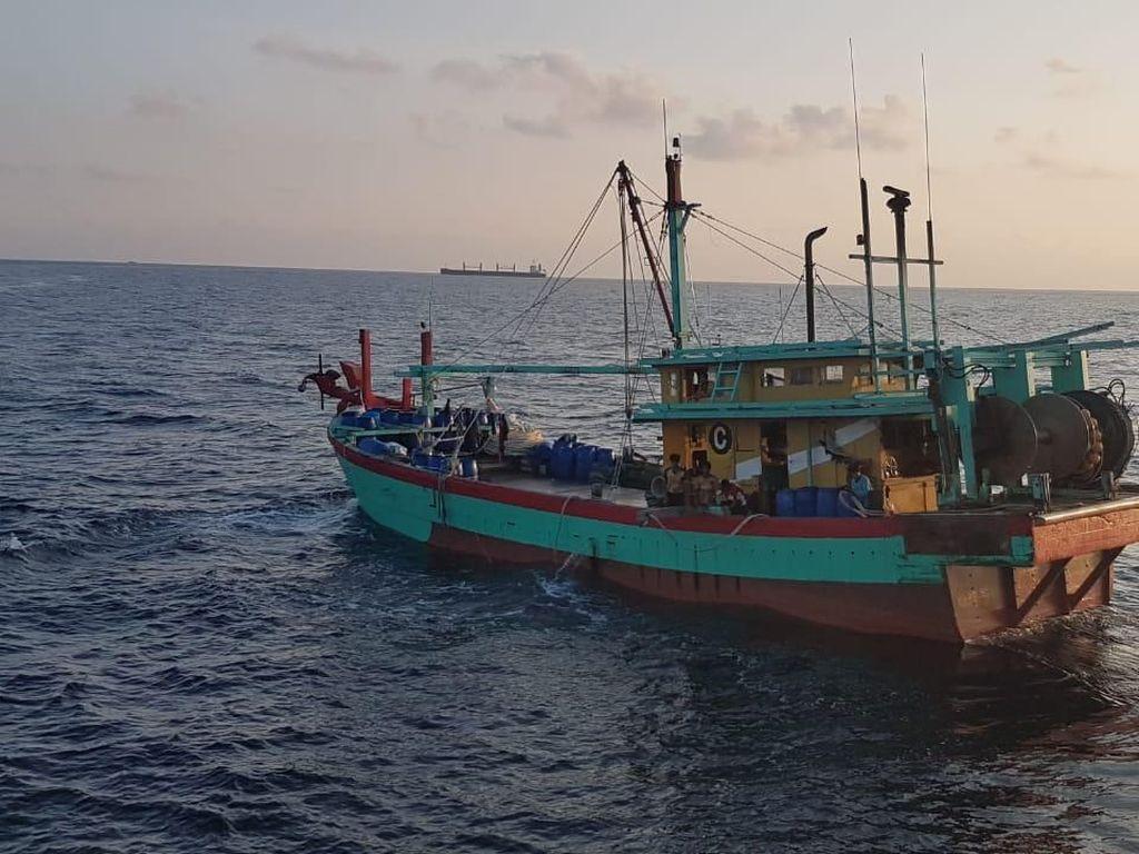 Masuk RI, Kapal Maling Ikan Kena Ciduk di Selat Malaka