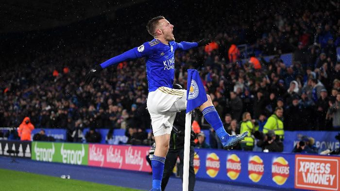 LEICESTER, ENGLAND - MARCH 09:  Jamie Vardy of Leicester City celebrates scoring his teams third goal of the game and his second during the Premier League match between Leicester City and Aston Villa at The King Power Stadium on March 09, 2020 in Leicester, United Kingdom. (Photo by Michael Regan/Getty Images)