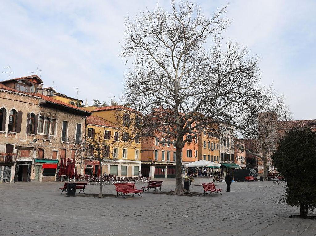 Pasar Terkenal di Roma Pun Kini Tampak Sepi