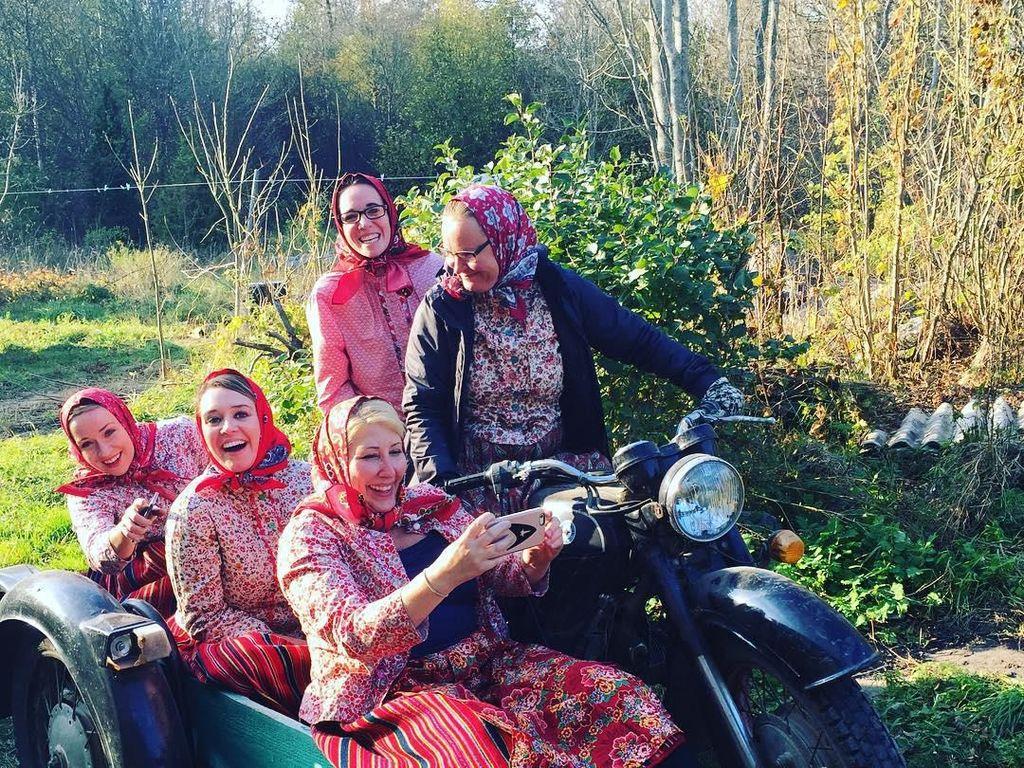 Inilah Kihnu, Pulau Tersembunyi yang Mayoritas Penduduknya Wanita