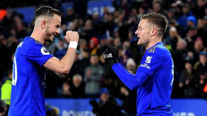 LEICESTER, ENGLAND - MARCH 09:  Jamie Vardy (R) of Leicester City celebrates scoring his teams third goal of the game and his second with James Maddison during the Premier League match between Leicester City and Aston Villa at The King Power Stadium on March 09, 2020 in Leicester, United Kingdom. (Photo by Michael Regan/Getty Images)