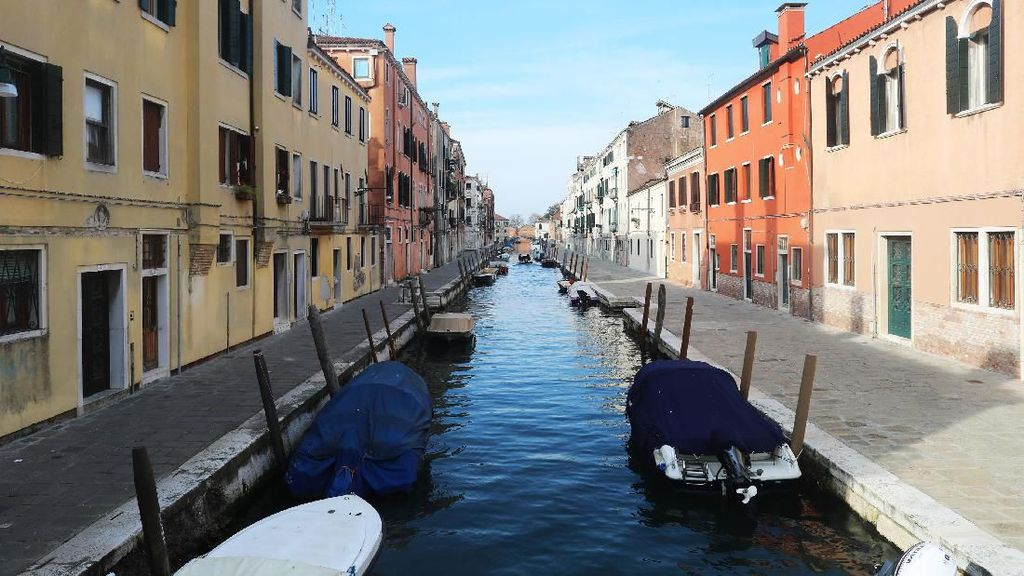 Suasana Italia yang Lengang Usai Lockdown Imbas Corona