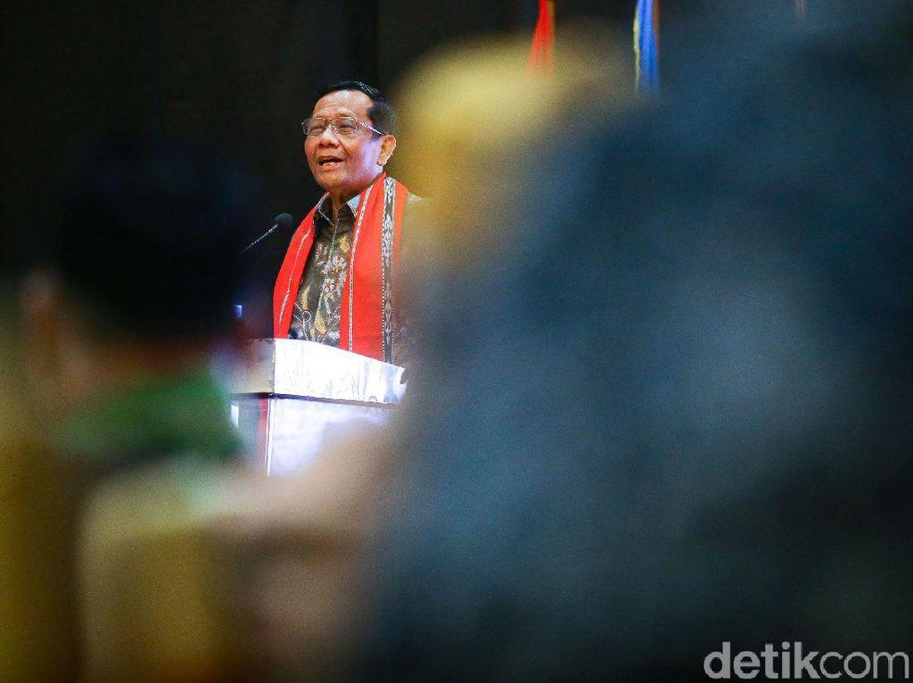 Tekad Mahfud Jerat Pejabat yang Bantu Djoko Tjandra