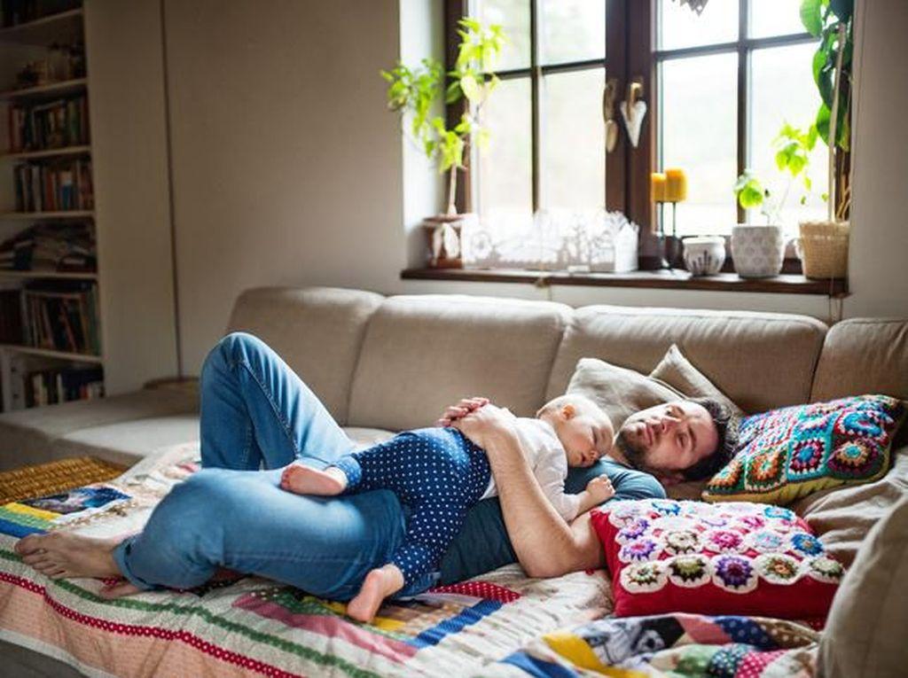 7 Cara Menidurkan Bayi yang Susah Tidur