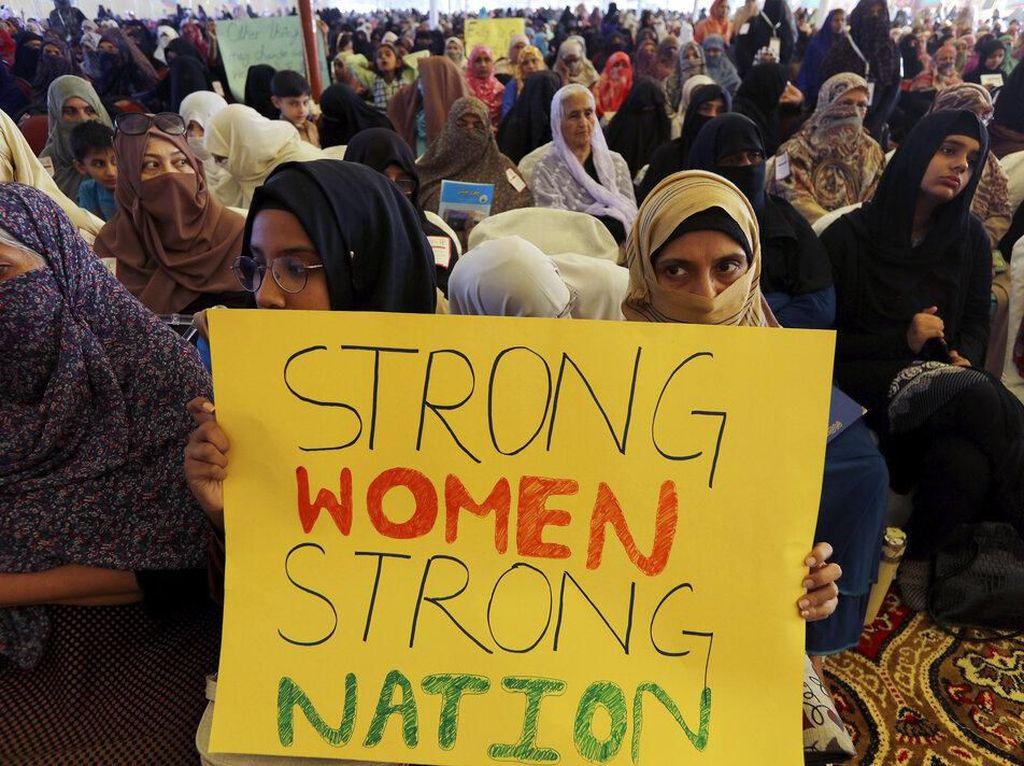 Ribuan Wanita di Dunia Gelar Aksi Peringati Hari Perempuan Internasional