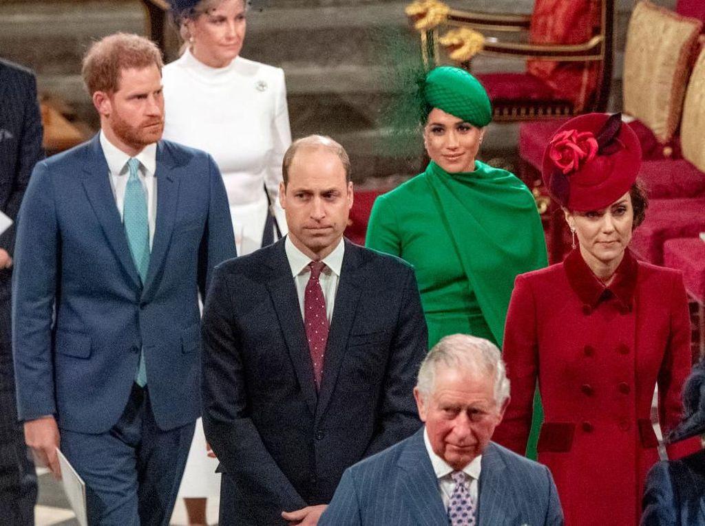 Pangeran Charles Positif Corona, Harry dan William Jadi Akur