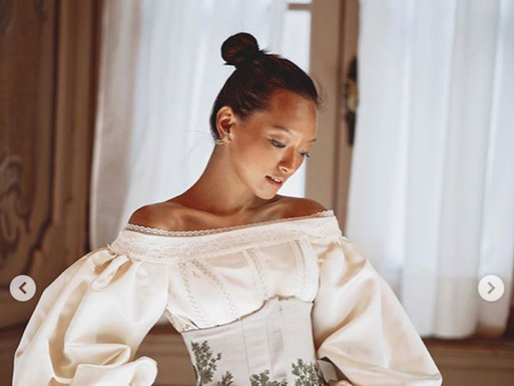 Momen Stylish Asmara Abigail di Milan Fashion Week Sebelum Terjebak Corona